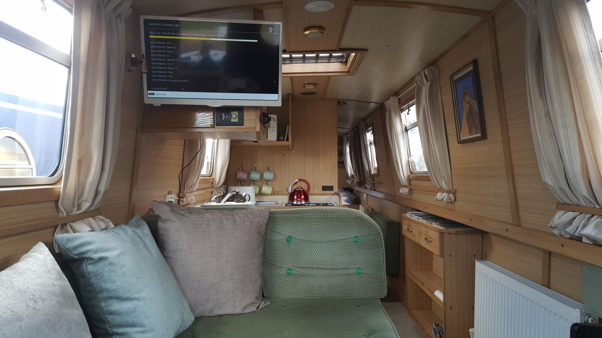 Inside the Midland Mallard Narrowboat